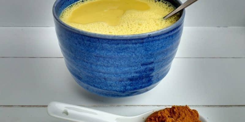 receta de leche dorada ayurvédica